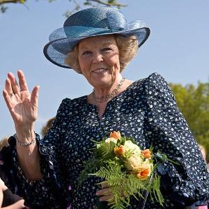 Koningin_Beatrix_in_Vries